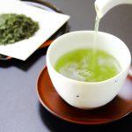 「お茶を濁す」の意味や由来とは?口を濁すとの違いは?