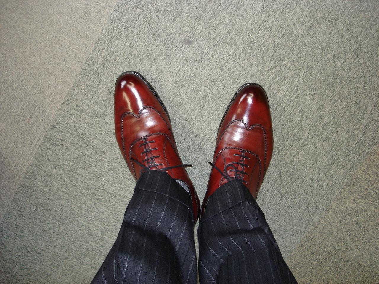 足元を見る 足元を見られる の意味や由来とは 歴史 由来 意味の雑学